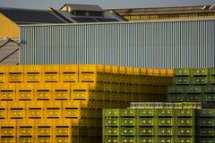 Tienda de la industria detrás Imagen de archivo libre de regalías