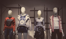 Tienda de la moda de las mujeres Fotos de archivo libres de regalías
