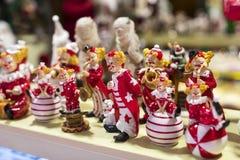 Tienda de la Navidad de recuerdos y de la joyería en la ciudad de Sainte-Andr en Hungría Imagen de archivo libre de regalías