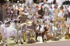 Tienda de la Navidad de recuerdos y de la joyería en la ciudad de Sainte-Andr en Hungría Fotografía de archivo libre de regalías