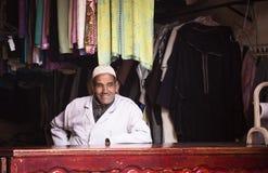 Tienda de la ropa en Marrakesh Imagen de archivo libre de regalías