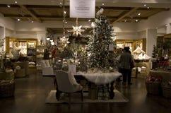 Tienda de los bienes de origen de los árboles de navidad Fotografía de archivo