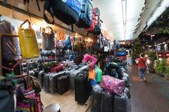 Tienda de los bolsos en Bangkoks céntrico Imagenes de archivo