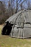 Tienda de los indios norteamericanos en bosque Foto de archivo libre de regalías