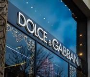 Tienda de lujo de la moda de Dolce Gabbana en París Francia imagen de archivo