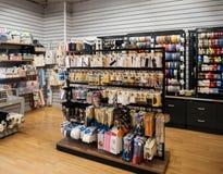tienda de mercería con la tienda de los clientes DIY Imagenes de archivo