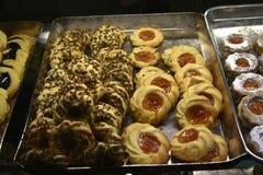 Tienda de pasteles italiana en la ciudad eterna de Roma Italia Fotos de archivo