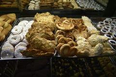 Tienda de pasteles italiana en la ciudad eterna de Roma Italia Foto de archivo libre de regalías