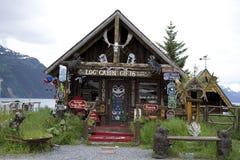 Tienda de regalos de la cabaña de madera Whittier Alaska Foto de archivo