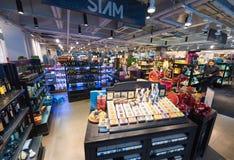 Tienda de regalos en Siam Center, ciudad de Bangkok Imagenes de archivo