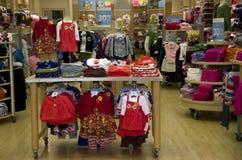 Tienda de ropa del niño Fotografía de archivo libre de regalías