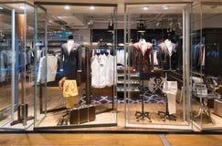Tienda de ropa para hombre en Siam Center, ciudad de Bangkok Fotografía de archivo