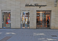 Tienda de Salvatore Ferragamo en la ciudad de Viena, Austria Fotos de archivo libres de regalías
