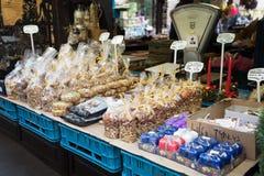 Tienda de souvenirs en el mercado famoso de Havels en la primera semana del advenimiento adentro Imagen de archivo libre de regalías