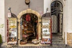 Tienda de souvenirs en Szentendre en Hungría Fotos de archivo libres de regalías