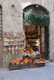 Tienda de ultramarinos en Siena Imágenes de archivo libres de regalías