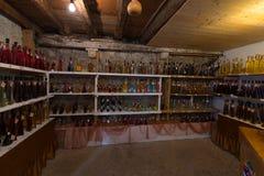 Tienda de vino local en Croacia Imagen de archivo