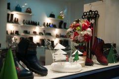 Tienda de zapatos fotos de archivo