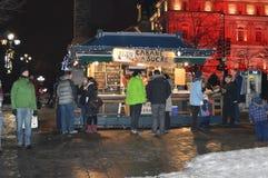 Tienda del azúcar de arce en la calle de Jacques Cartier del lugar fotos de archivo libres de regalías