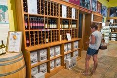 Tienda del lagar de Vinakoper en Koper, Eslovenia Fotografía de archivo