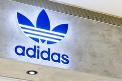 Tienda del letrero de Adidas Fotografía de archivo