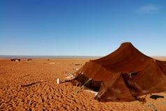 Tienda del nómada en el desierto de Sáhara foto de archivo