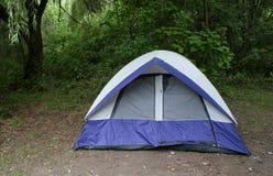 Tienda del sitio para acampar Fotografía de archivo