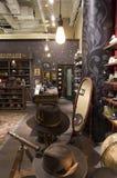 Tienda del sombrero de los accesorios de vestir Fotografía de archivo libre de regalías