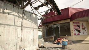 Tienda destruida en guerra almacen de video