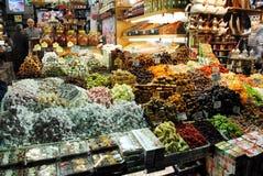 Tienda dulce en el bazar magnífico, Estambul Fotos de archivo libres de regalías