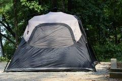 Tienda en el camping, parque de estado, Georgia, los E.E.U.U. imagen de archivo libre de regalías