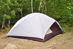 Tienda en el sitio para acampar en el yermo Foto de archivo libre de regalías