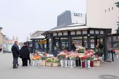 Tienda en la venta de ramos Foto de archivo