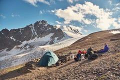 Tienda en las montañas fotografía de archivo