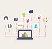 Tienda en línea que vende la ropa del verano Imagen de archivo libre de regalías