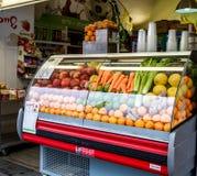 Tienda fresca de los jugos en Jerusalén, Israel Foto de archivo