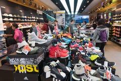 Tienda Hong Kong céntrico de Adidas Fotografía de archivo libre de regalías