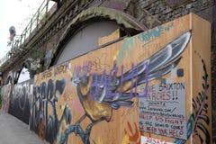 Tienda local cerrada abajo en el área de Brixton Arches, Londres, Reino Unido Fotos de archivo