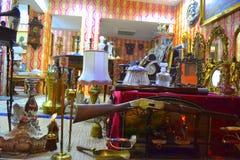 Tienda lujosa antigua de los objetos foto de archivo