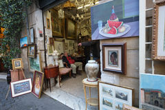 Tienda para las pinturas y las antigüedades fotografía de archivo libre de regalías