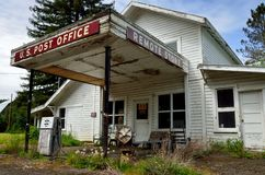 Tienda rural del abandono, el condado de Coos, Oregon imagenes de archivo