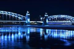 Puente con las torres Imágenes de archivo libres de regalías