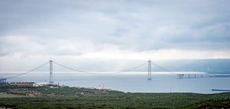 Tienda un puente sobre el ower el mar de Mármara en Turquía Imagenes de archivo