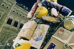 Tienda universal de la tubería de la iluminación de la Navidad (días de fiesta del Año Nuevo) (GOMA), Plaza Roja en Moscú, Rusia Fotografía de archivo