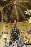 Tienda universal de la tubería interior (GOMA) en los días de fiesta de la Navidad (Año Nuevo), Plaza Roja, Moscú, Rusia Imagenes de archivo