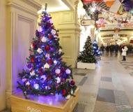 Tienda universal de la tubería interior (GOMA) en los días de fiesta de la Navidad (Año Nuevo), Plaza Roja, Moscú, Rusia Fotos de archivo libres de regalías