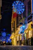 Tiendas adornadas para la Navidad Imágenes de archivo libres de regalías