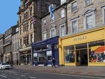 Tiendas de la parte alta del ` s de Edimburgo Fotografía de archivo