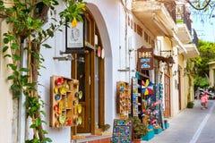Tiendas de souvenirs turísticas Rethymno, Crete, Grecia fotos de archivo libres de regalías