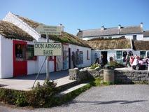 Tiendas en el MOR de INiS, Irlanda Fotos de archivo libres de regalías